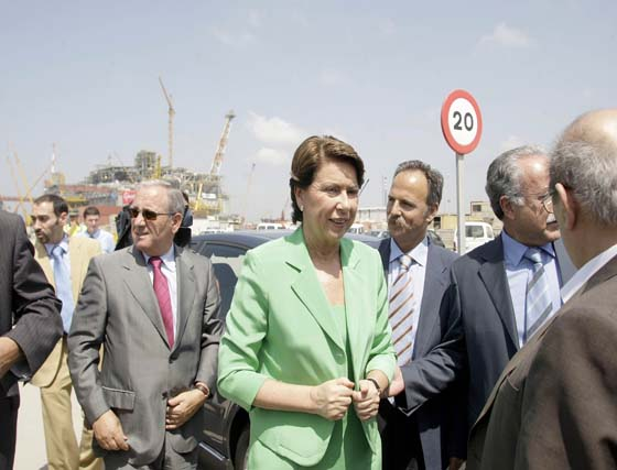 Magdalena Álvarez visita San Roque