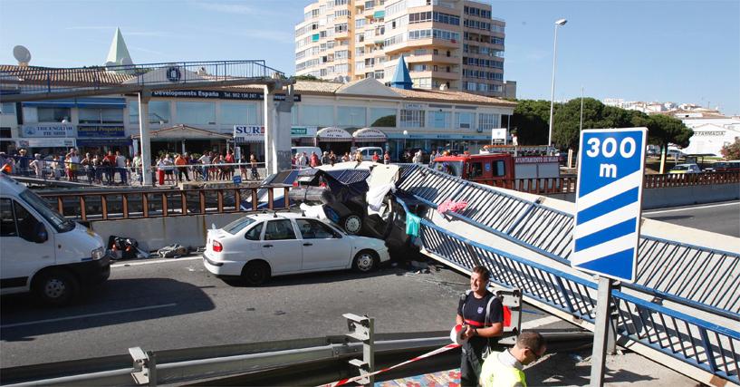 Un puente se desploma sobre la A-7