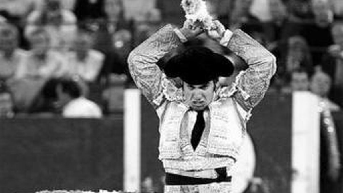 Una foto de Morante cada día - Página 3 Morante-Puebla-banderilleando-sexto-Zaragoza_195290808_109220134_1200x675