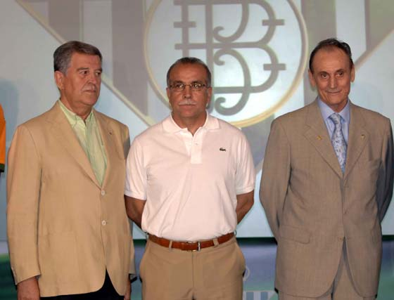 José León, Antonio Tapia y Manuel Ruiz de Lopera.  Foto: Manuel Gómez