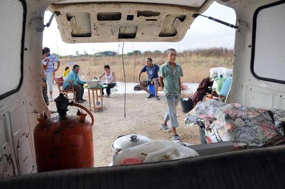 Algunas familias  empiezan a asentarse en El Copero.  Foto: Juan Carlos  Vázquez/Juan Carlos Muñoz