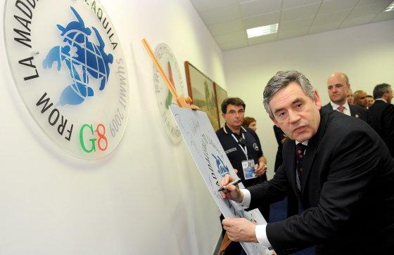 Gordon Brown, primer ministro británico, en la cumbre de L´Aquila.  Foto: EFE