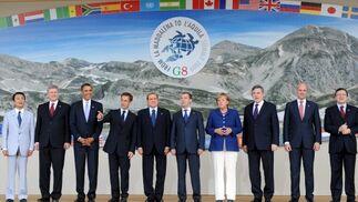 Tradicional foto de familia del G8.  Foto: EFE