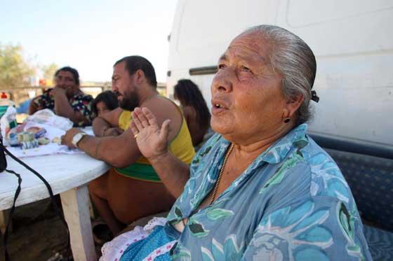 Otras familias espran el momento definitivo para abnadonar el poblado chabolistas.  Foto: Juan Carlos  Vázquez/Juan Carlos Muñoz