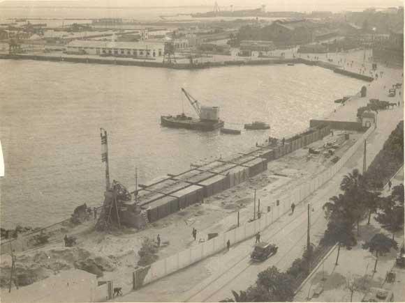 1948. Inicio de la construcción del muelle de la ciudad