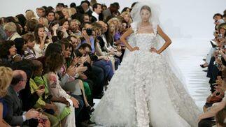 Traje de novia de alta costura de la firma Elie Saab.  Foto: EFE