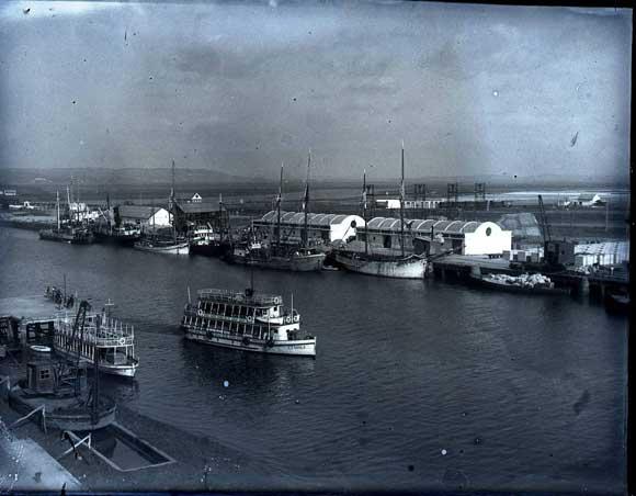 1950. Vista del puerto de El Puerto de Santa María