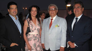Fernando Franco, cónsul de Estonia; Carmen Caballero, cónsul de Co-lombia; Gerardo Martín (Sener), y Juan Ignacio Zoido, portavoz municipal del PP.  Foto: Victoria Ramírez