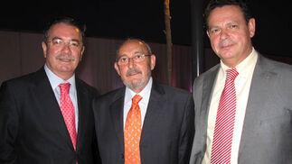 Juan Rojo,comisario provincial de Policía; Juan Santano, inspector de Servicios de la Policía, y Laurentino Ceña, jefe de la Comandancia de la Guardia Civil.  Foto: Victoria Ramírez