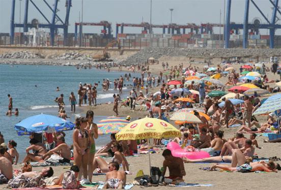Las playas presentan un lleno absoluto  Foto: Migue Fernandez