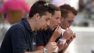 Los helados son una de las soluciones para soportar el calor.  Foto: Migue Fernandez