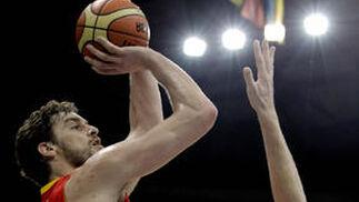España vence sin problemas a la anfitriona del Eurobasket.  Foto: efe