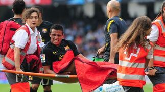 Alexis Sánchez se retira lesionado. / AFP