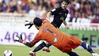 Cesc marca el segundo gol azulgrana en Anoeta. / EFE