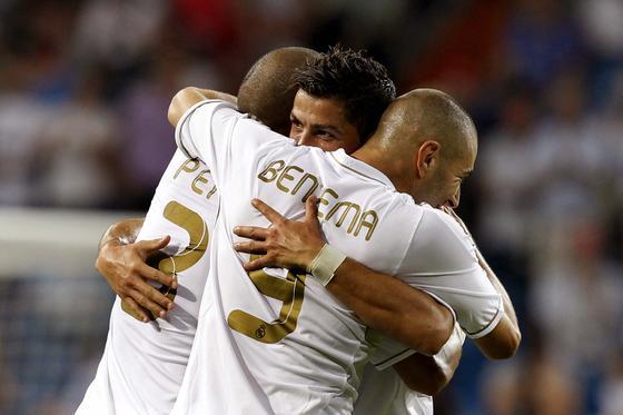 El Real Madrid cumple ante el Getafe en el Bernabéu (4-2). / EFE