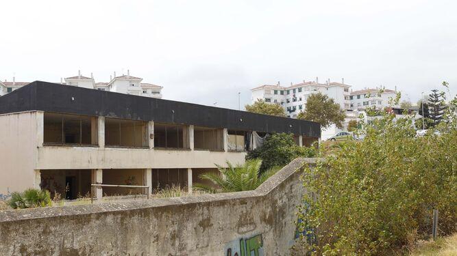 El antiguo colegio Almanzor de El Saladillo, cuya reforma está proyectada para albergar la guardería.