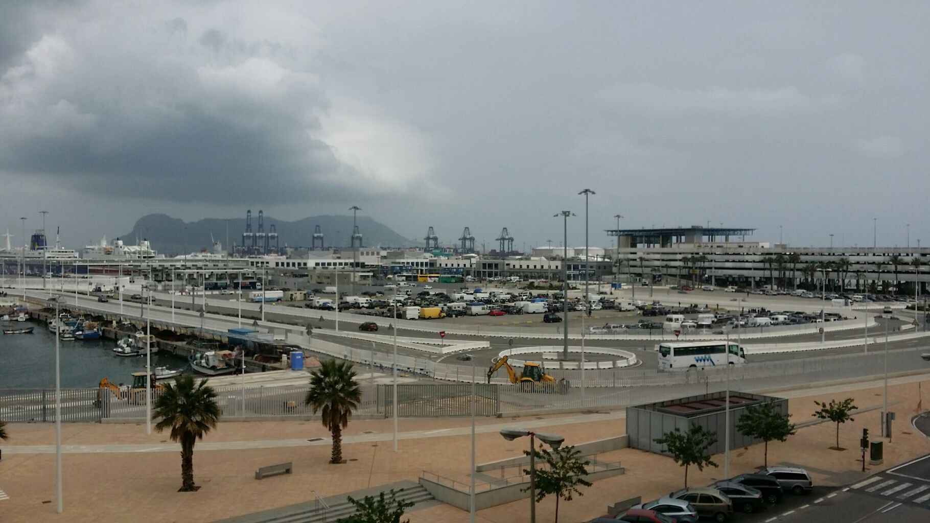 El tráfico con Tánger Med y Ceuta se reanuda después de tres días