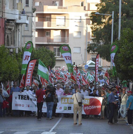 Las imágenes de la manifestación por la Algeciras-Bobadilla