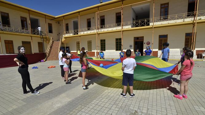 Actividades que se realizaron ayer en el Centro de Magisterio Virgen de Europa.
