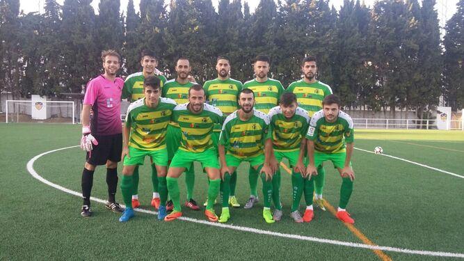 Los once jugadores que comenzaron el duelo por parte de la UD Los Barrios.