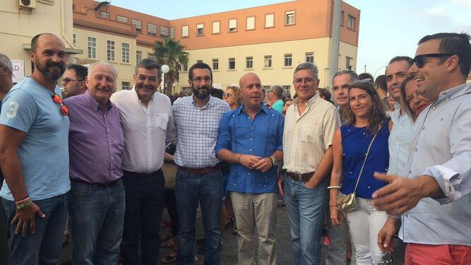 Miembros del PA, La Línea 100x100, PP e IU, en la manifestación.
