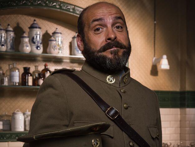 Federico Pérez > Guillermo Sanesteban, médico , tímido, está enamorado de Verónica Montellano y es el gran amigo de Fidel
