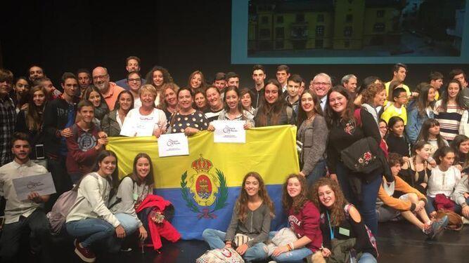 Los alumnos y profesores de Algeciras que han logrado premios.