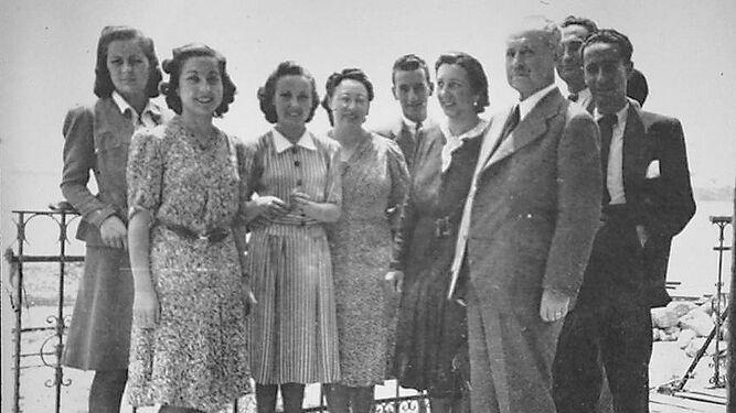Profesores en la terraza del Kursaal en la primavera de 1942.