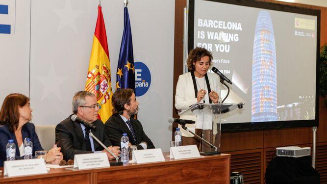 La ministra de Sanidad presenta la candidatura de Barcelona.