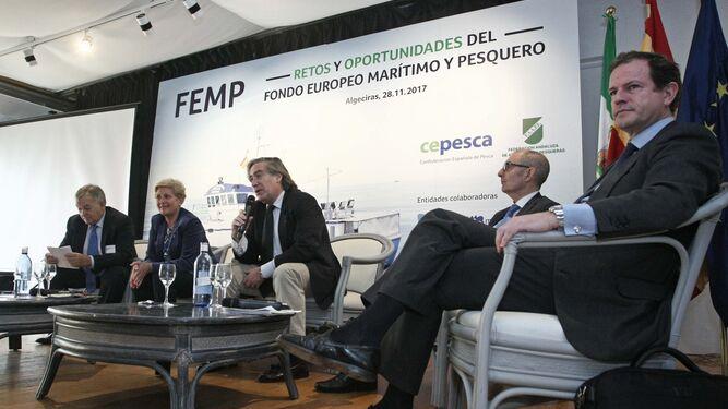 Pedro Maza, Margarita Pérez, Alberto López-Asenjo, Pedro Pisonero y Javier Garat, ayer en la jornada organizada por Cepesca y Faape.