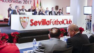 La Junta General del Accionistas del Sevilla FC, en imágenes