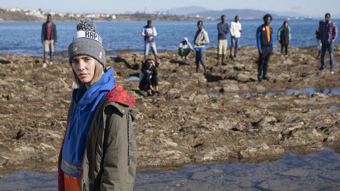 Brisa Fenoy, durante el rodaje en Getares del videoclip de 'Jericó'.