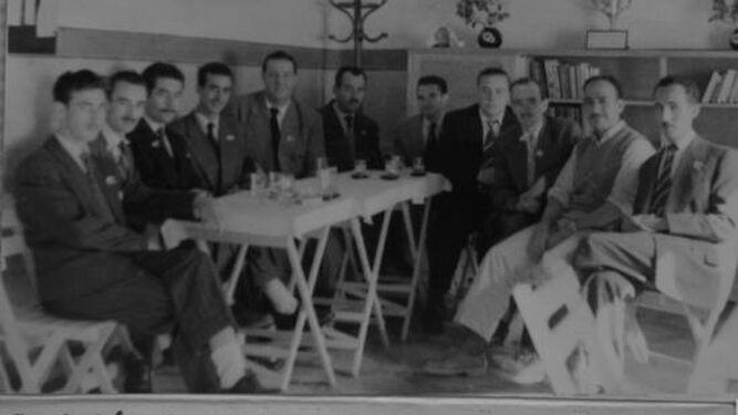 Los socios fundadores de AFAL, en 1956.