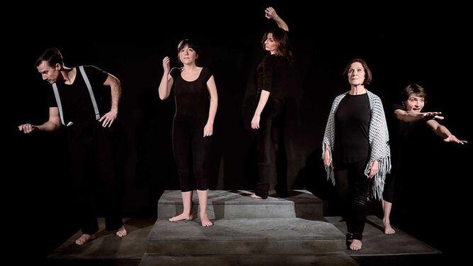 El elenco de 'La tumba de María Zambrano', en escena.