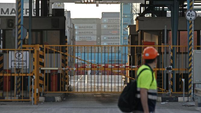 Acuerdo entre estibadores y empresas para la organización en el Puerto de Algeciras