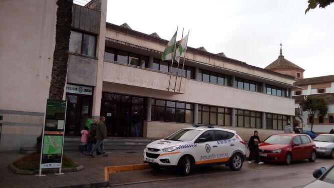Vista exterior del Ayuntamiento de San José del Valle.