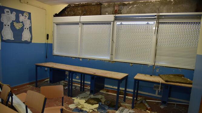 El aula del colegio Puerta del Mar en el que se desprendió el ventanal el pasado jueves.