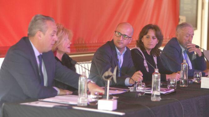 Un momento del debate en las instalaciones del Real Club de Golf Iberostar Novo Sancti Petri.