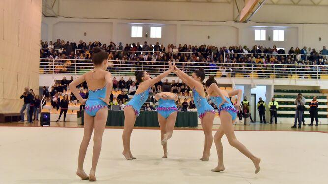 El club de La Línea manda en el VI Villa de Los Barrios de gimnasia rítmica
