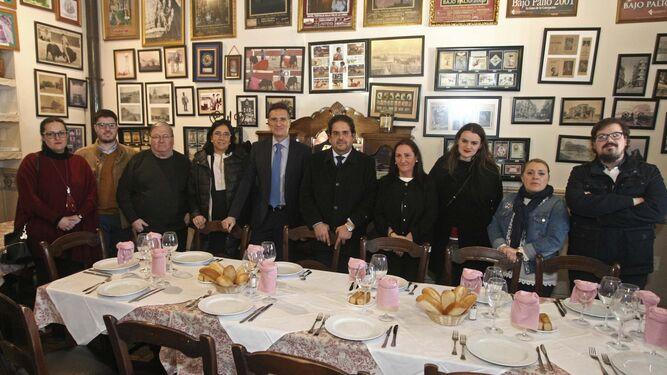 Mónica Gómez, Rafa Máiquez, Jacinto Villanueva, María José Moreno, Javier Chaparro, Juan Correa, Encarni Sánchez, María Belén Merchán, Arantxa Sánchez e Ildefonso Pérez.