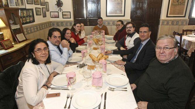 Los tertulianos, a la mesa en el Comedor de Enrique, ayer.