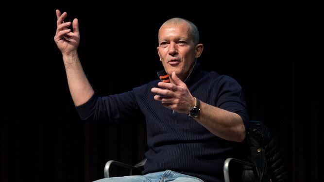 El actor, durante el encuentro que mantuvo con los medios en la mañana de ayer, en el Museo Picasso.