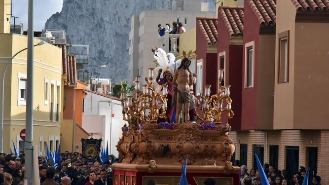 La lluvia interrumpe el Domingo de Ramos