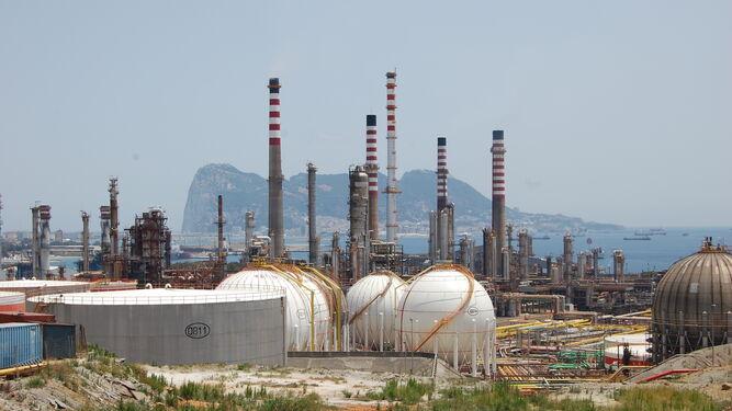 Cepsa invertirá hasta 2020 1.000 millones en mejoras en su refinería de San Roque
