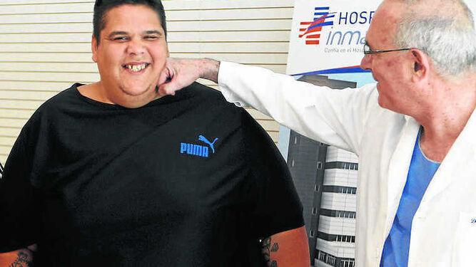 Juan Manuel Heredia, el algecireño que se convirtió en el hombre más obeso del país, antes y después de su primera intervención.