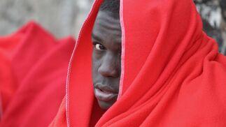 Once migrantes, trasladados al puerto de Tarifa