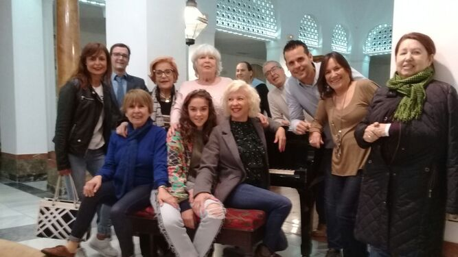 La actriz algecireña, rodeada de familiares y amigos, ayer en el hotel Reina Cristina.