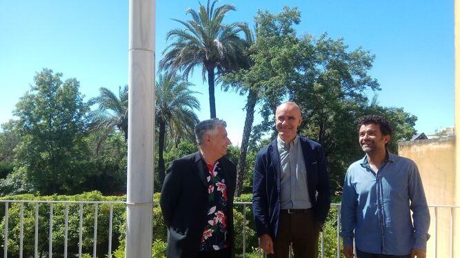 Juan Antonio Álvarez Reyes, Antonio Muñoz y Antonio Romero en el CAAC.