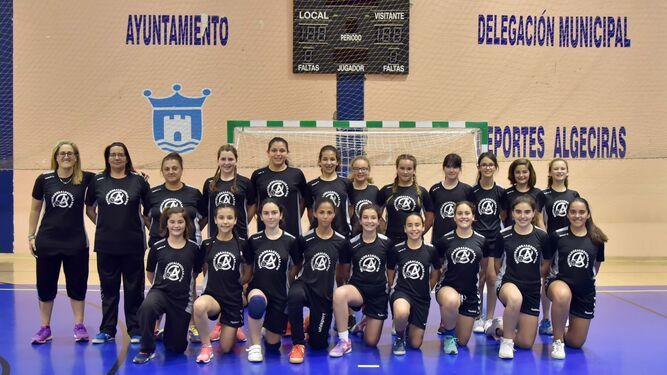 El equipo alevín femenino que entrena Blanca Benítez.