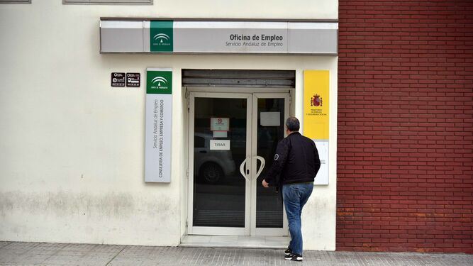 el paro en la provincia baja en marzo en personas On oficina del consumidor algeciras